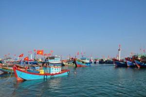 ベトナム漁業村の船