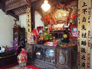 祖先をお供えする仏壇